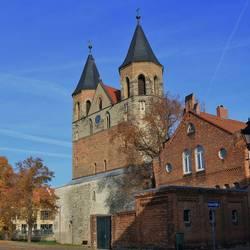 Symbolischer Dreiklang der Akener Glockentürme als Zeichen des Zusammenhalts