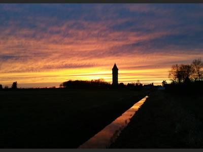 Sonnenuntergang am Wasserturm [(c) Andreas Heinrich]