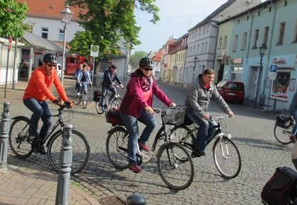 Radfahrer der Aken-Tour 1 & 2 [(c) Susan Poplawski]